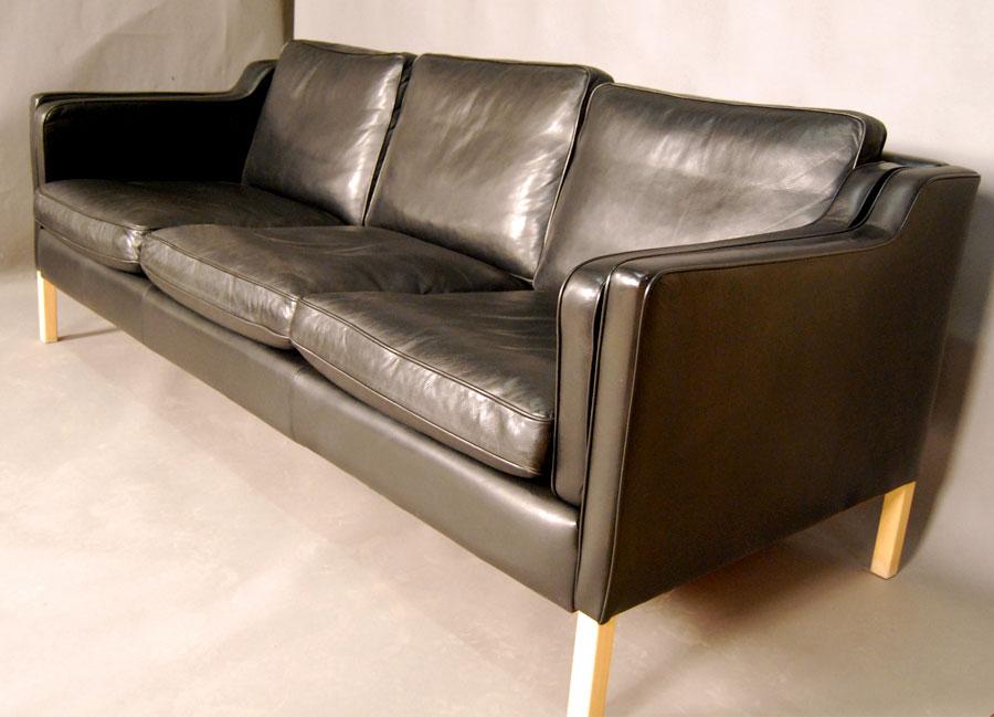 sold danish 39 stouby 39 black leather sofa 28d007 danish