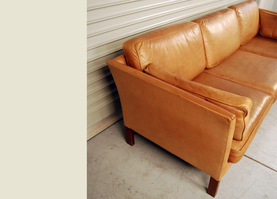 100 leather sofa tan the broad arm leather corner sofa by i