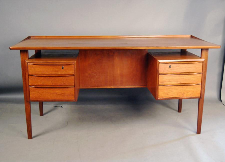 sold danish teak desk 33d036 danish vintage modern. Black Bedroom Furniture Sets. Home Design Ideas