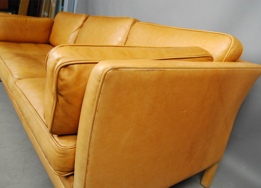... Mogens Hansen Light Tan Leather Sofa ...